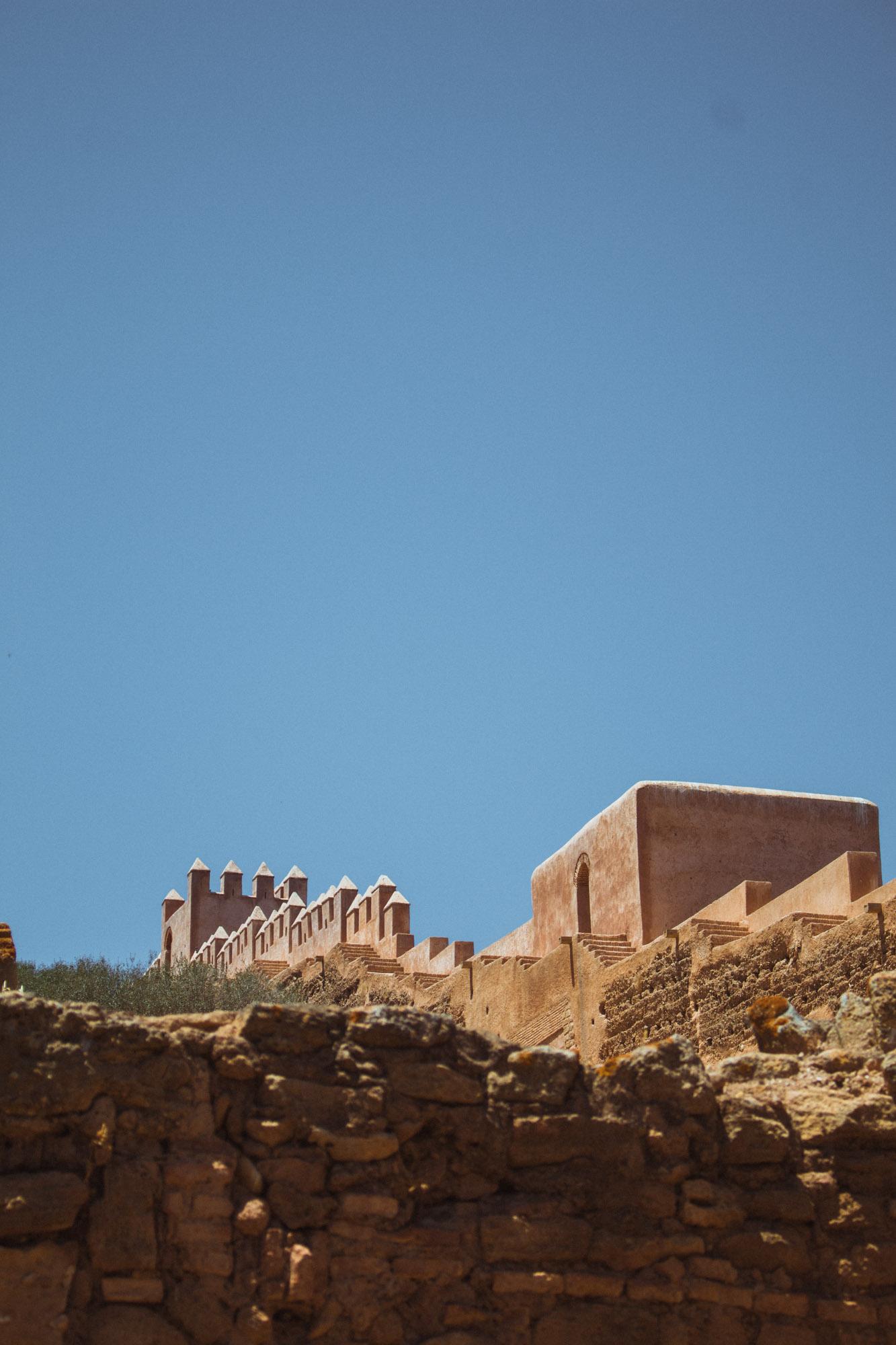 Die Mauer einer Ruine, der Chellah in Rabat, Marokko